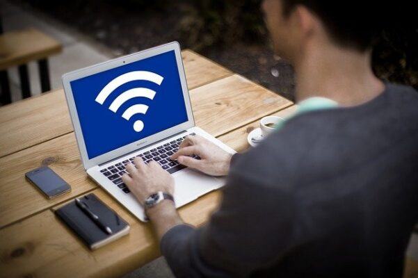 GMOとくとくBB WiMAXの解約方法-解約金や端末返却も解説-